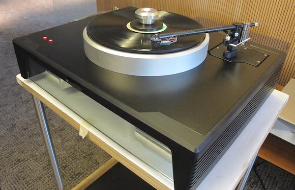 Bulgaria Based THRAX Builds the Döhmann Helix 1 Turntable