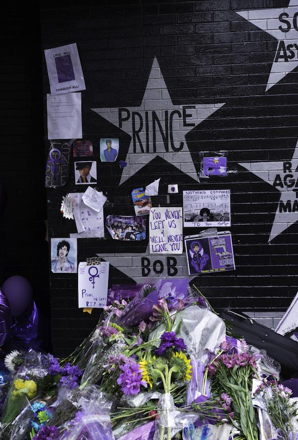 "Analogplanet Radio's ""Prince Tribute Show"" Now Streaming"