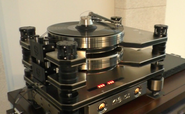 Kronos Adds D.C. Accumulator Power Option For Pro Turntable